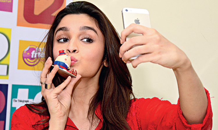 Phones owned by Bollywood Actresses & Suggestions