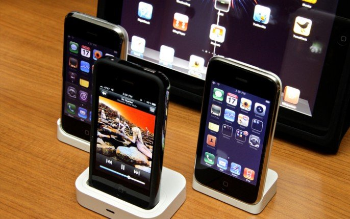 01-5-Interesting-Things-You-Can-Do-with-Your-Old-Smartphones-343x215@2x