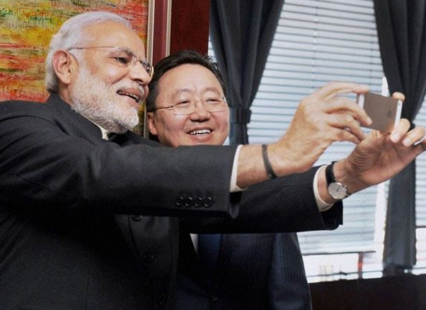 Android or iPhone: Which Phone does Narendra Modi vouch for?