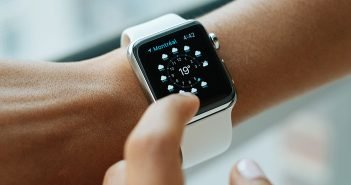 5 Things to Consider Before Buying a Smartwatch