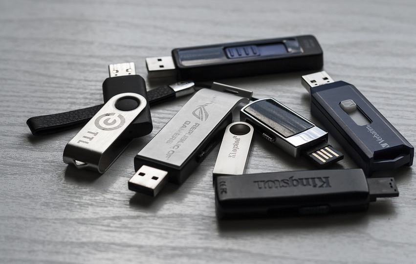 USB Flash Drive Vs External Hard Drive: Which one is best for you?