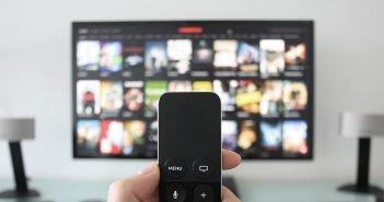 How to Buy Best TV In India: Online Vs Offline Stores