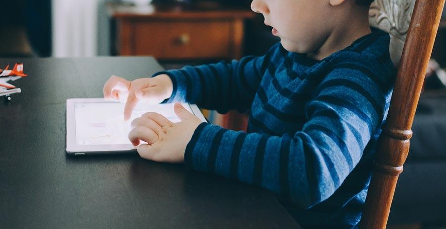 Advantages of Smartphones for Children That Parents Should Know About